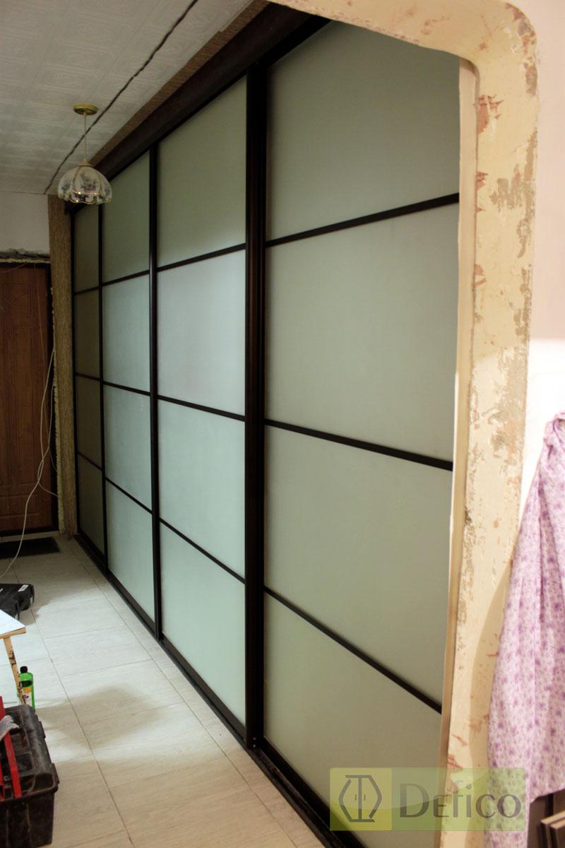 10-метровый шкаф в коридор.
